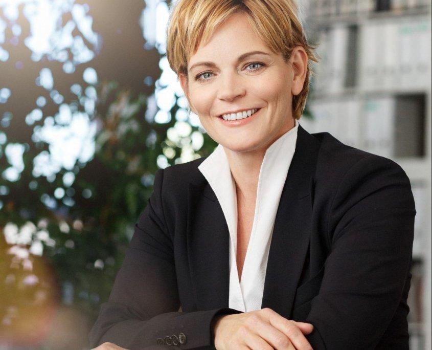 Prof. Dr. Anne Jakob, LL.M.